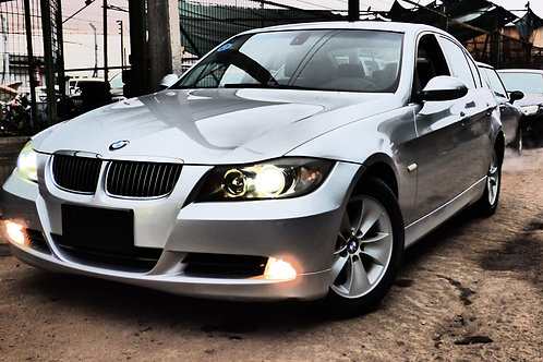 BMW 325i 2006 (VOLANTE ORIGINAL)