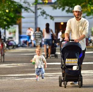 Latté pappas, czyli szwedzcy ojcowie w klasycznym wydaniu