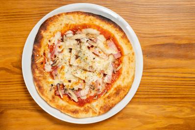 ピザ(ベーコン・キノコ) 1,000