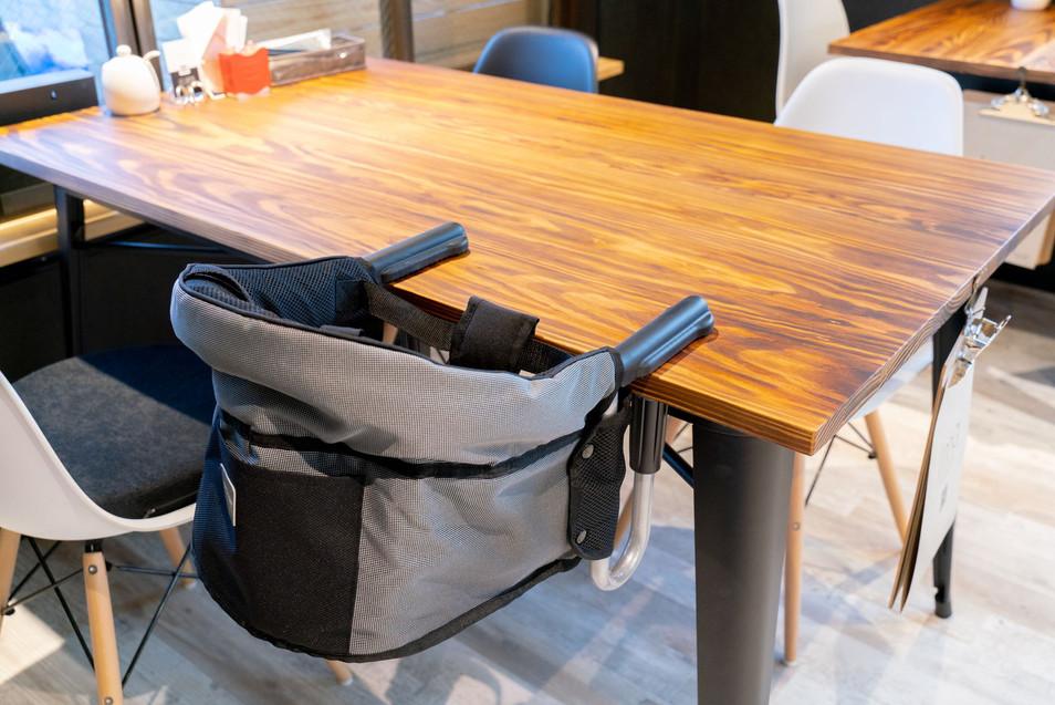 テーブルチェア 1台