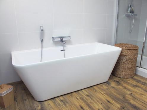 TIPHAINE MODIN | Architecte et decoration d'interieur | Nantes | Salle de bain moderne blanche et bois