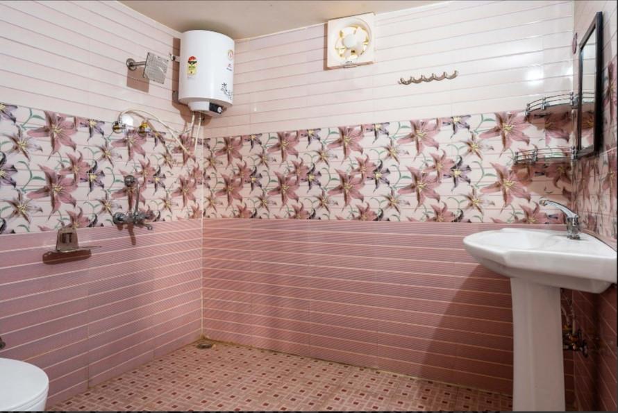 Raahat Washrooms.jpeg