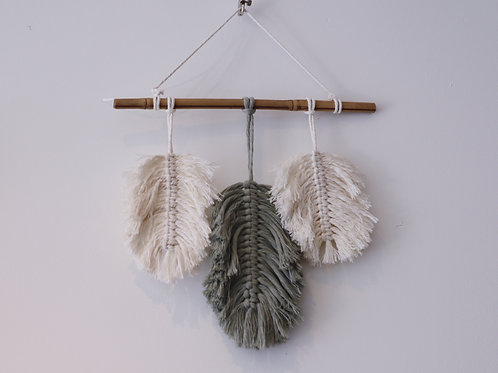 MACRAMÉ-LEAVES WITH BAMBOO