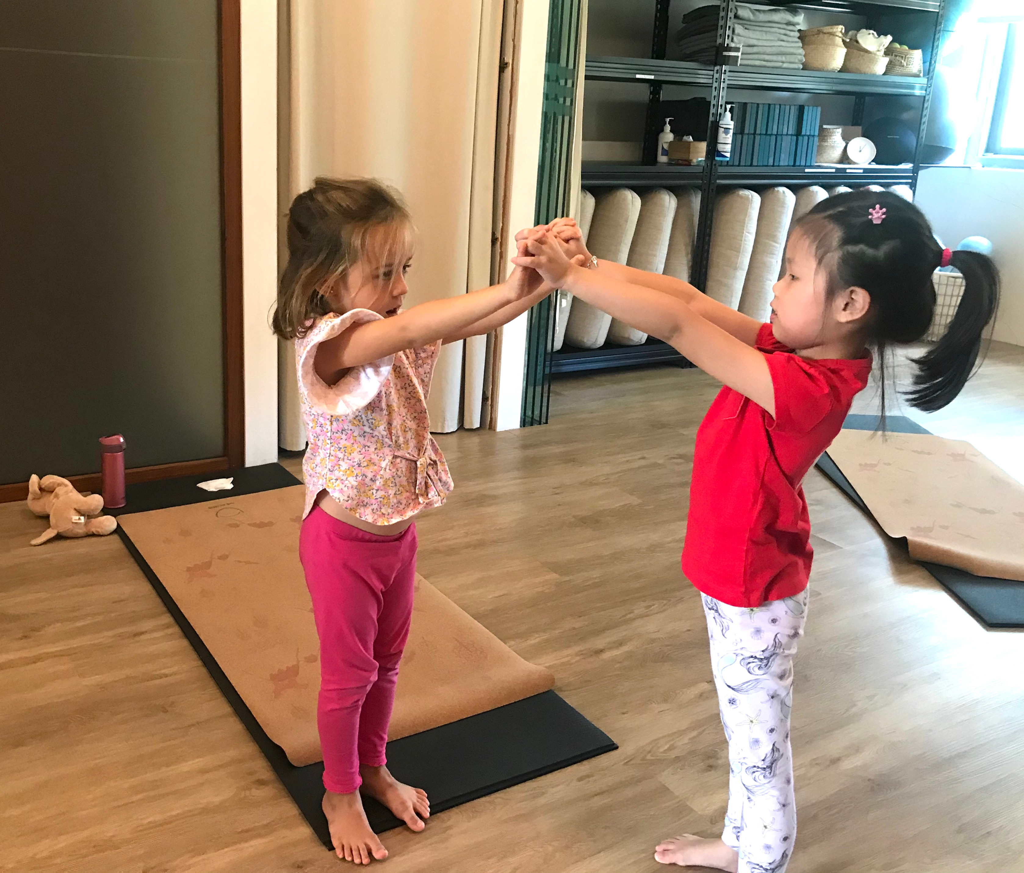 Online Sunday Kids Yoga Class