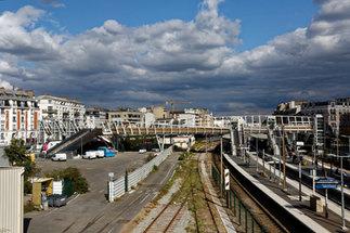 Gare de Bécon les Bruyères