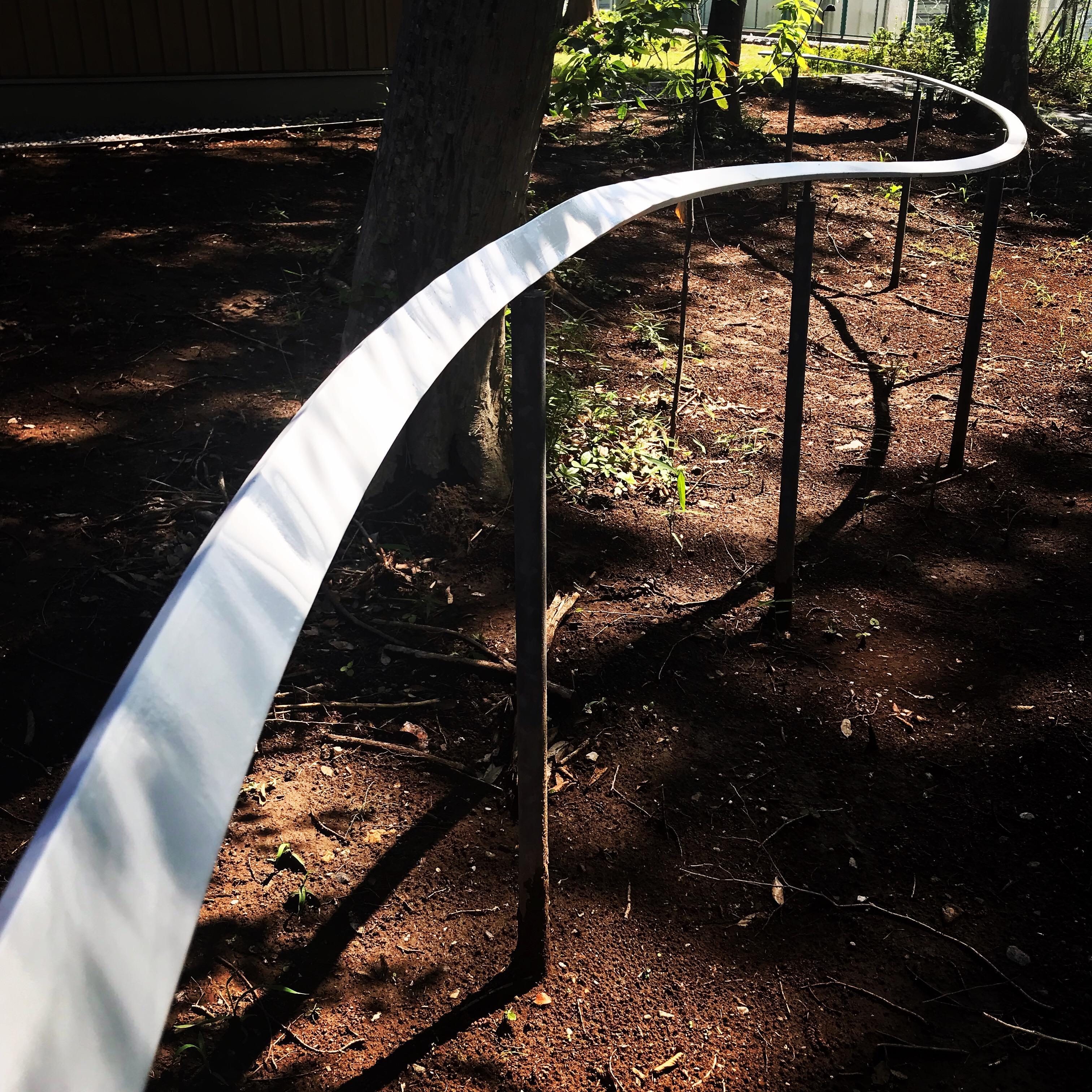 天端から湾曲する手すり/Curved handrail