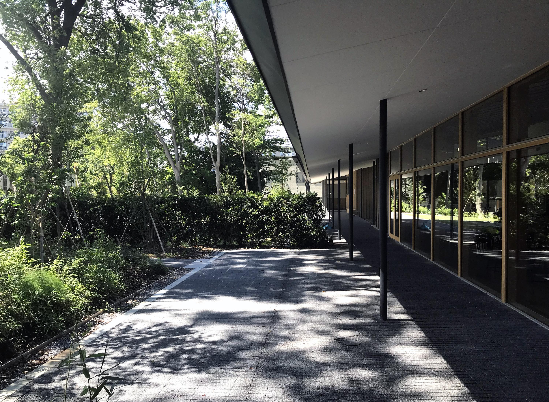 緑陰テラス/ the terrace under shade