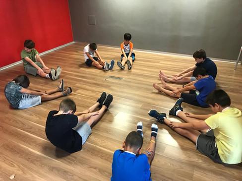 Yoga niños verano.JPG