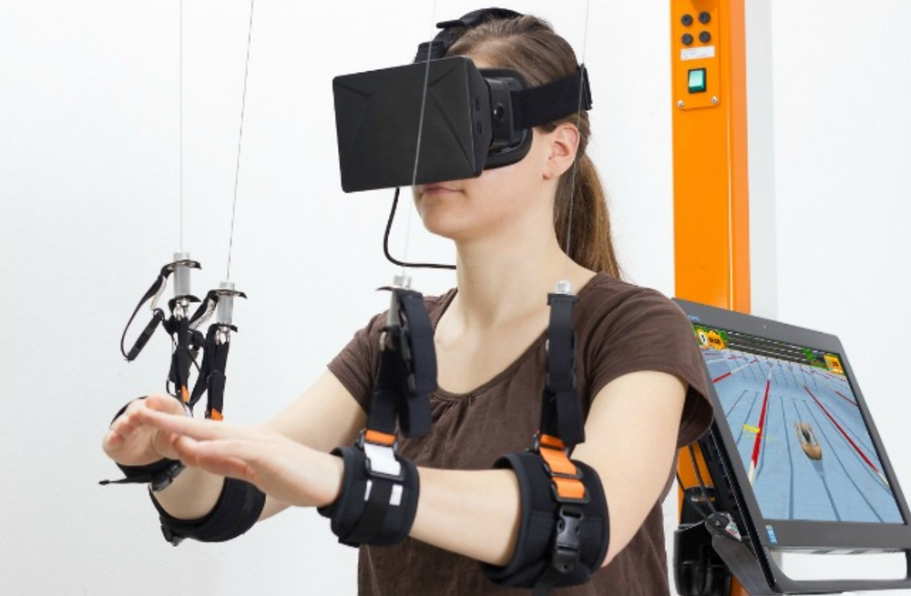 Virtual reality for arm motor function recovery