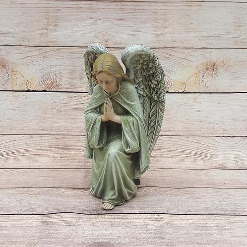 ANGEL KNEELING IN PRAYER