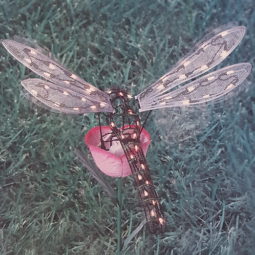 GOOD-TIDINGS ANIMATED DRAGONFLY STATUE