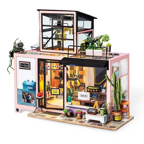 Miniature Dollhouse Kit with LED light - Kevin's Studio