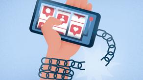 Cách giúp các bạn trẻ chống lại cám dỗ của mạng xã hội