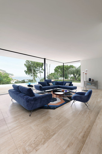 Caractere Sofa