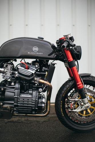BT01 Carbon