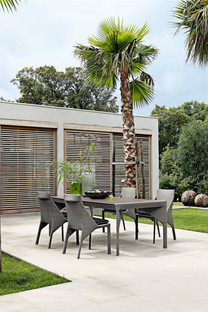 Belair Outdoor Dining Table and Chairs