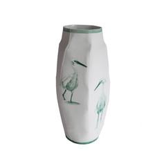 """Vase M, 2018, pièce unique, porcelaine décors """"petit feu"""", H 27 cm, Ø 8 cm  © photographe Ruth Gurvich"""
