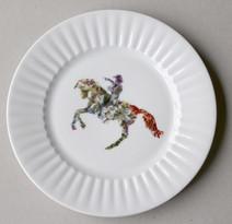 San Martin, (série Bicentenaire), 2010, chromos sur porcelaine, Ø 22.3 cm  © photographe Ruth Gurvich