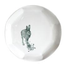 """Plat, 2018, pièce unique, porcelaine décors """"petit feu"""", H 2 cm, Ø 31 cm  © photographe Ruth Gurvich"""