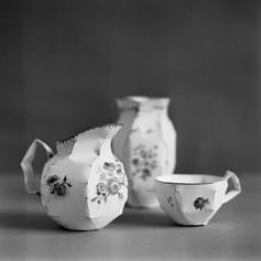 Progestèrone grise, 2004, mine de plomb s/papier, 12 x 30 x 24 cm  © photographe Jean-Michel Sicot