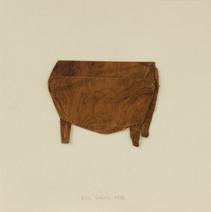 Commode baroque, 1996, papier faux bois, vernis, 21.5 x 21.5 cm  © photographe Pierre Verrier