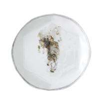 """Loup, 2012, porcelaine décors """"petit feu"""", H 2.5 cm, Ø 25 cm  © photographe Pierre Verrier"""