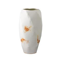 """Twisted vase, 2011, édition limitée, Manufacture de Nymphembourg, porcelaine décors """"petit feu"""", H 30 cm, Ø 15 cm  © photographe Pierre Verrier"""