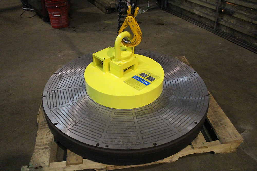 RM-20 lift magnets offer a high ratio of lifting capacity to magnet size and are designed to be used for flat plates, slabs, and blocks