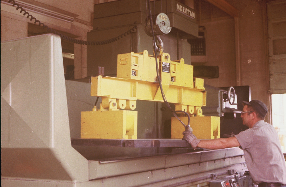 Load characteristics are one of the main dynamics of safe lifting