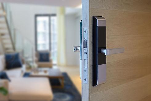 Digital knob door for access interior  i