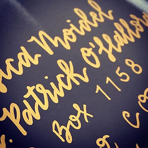 In hand-lettered L😍VE with this metalli