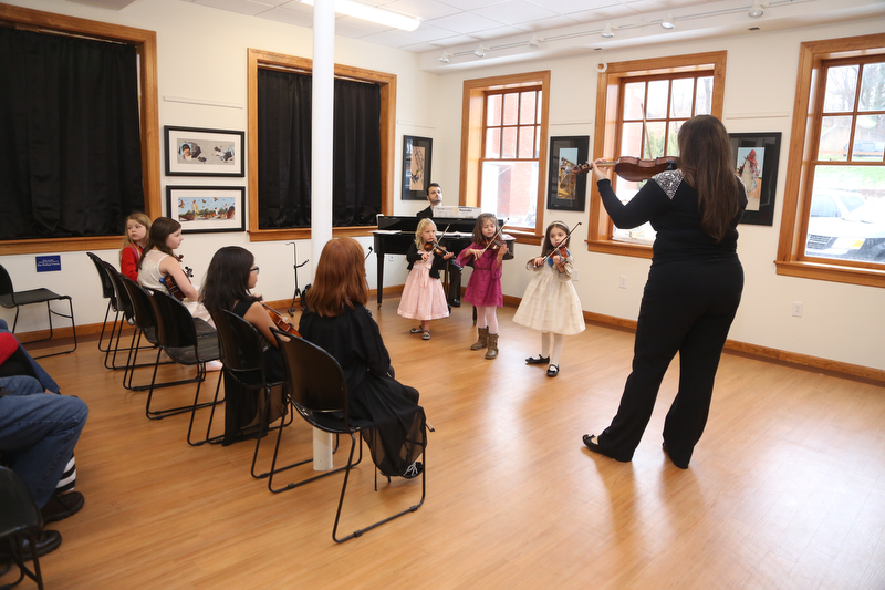 Violin_Holiday_Recital029