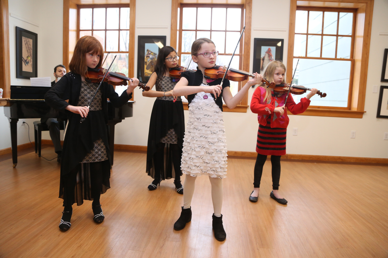 Violin_Holiday_Recital044