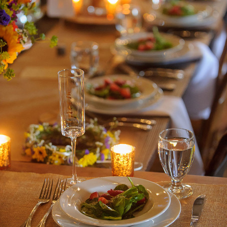 Bride's Guide: Should I Feed My Vendors?