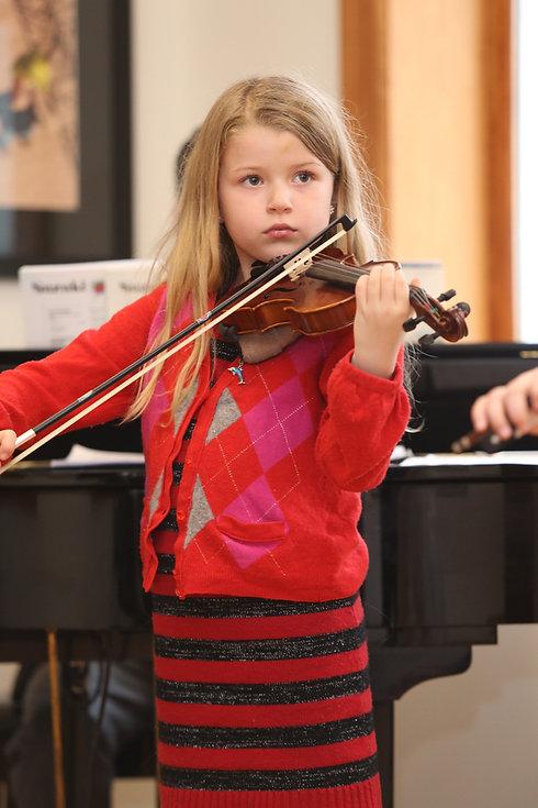 Violin_Holiday_Recital036.JPG