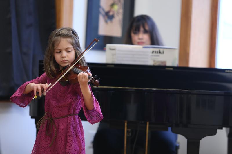 Violin_Holiday_Recital061