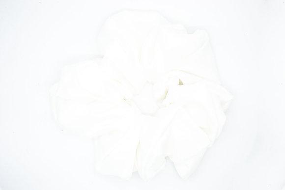 Cloud Scrunchie-white
