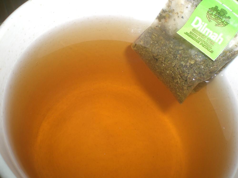 Dilmah_Green_Tea_Jasmine_Petals_MJF_Group_tea_cup_water.JPG