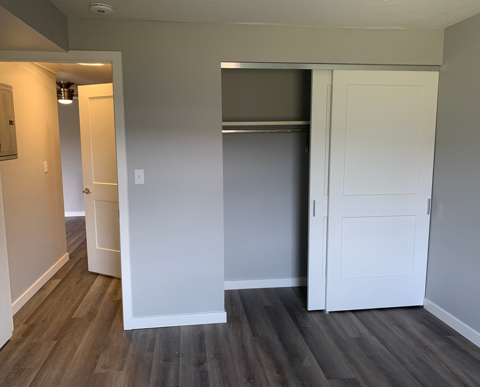 7_Bedroom with closet.jpg