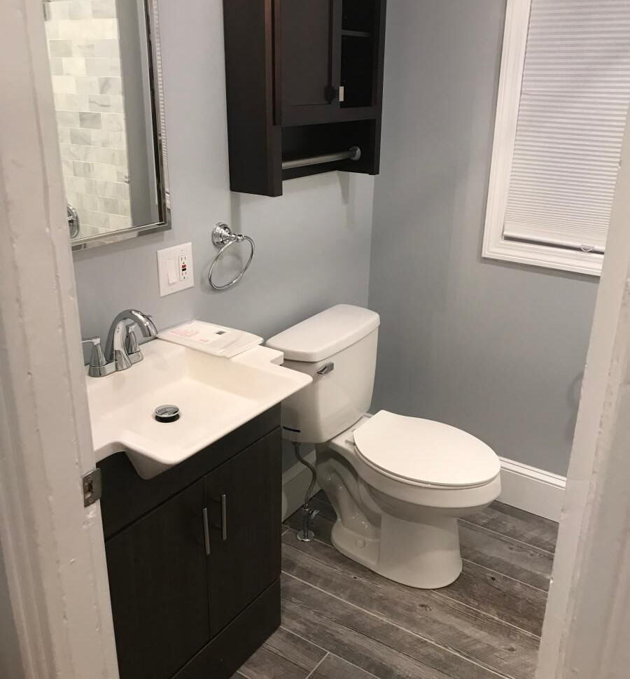 PrattStreet_Bathroom1.jpg