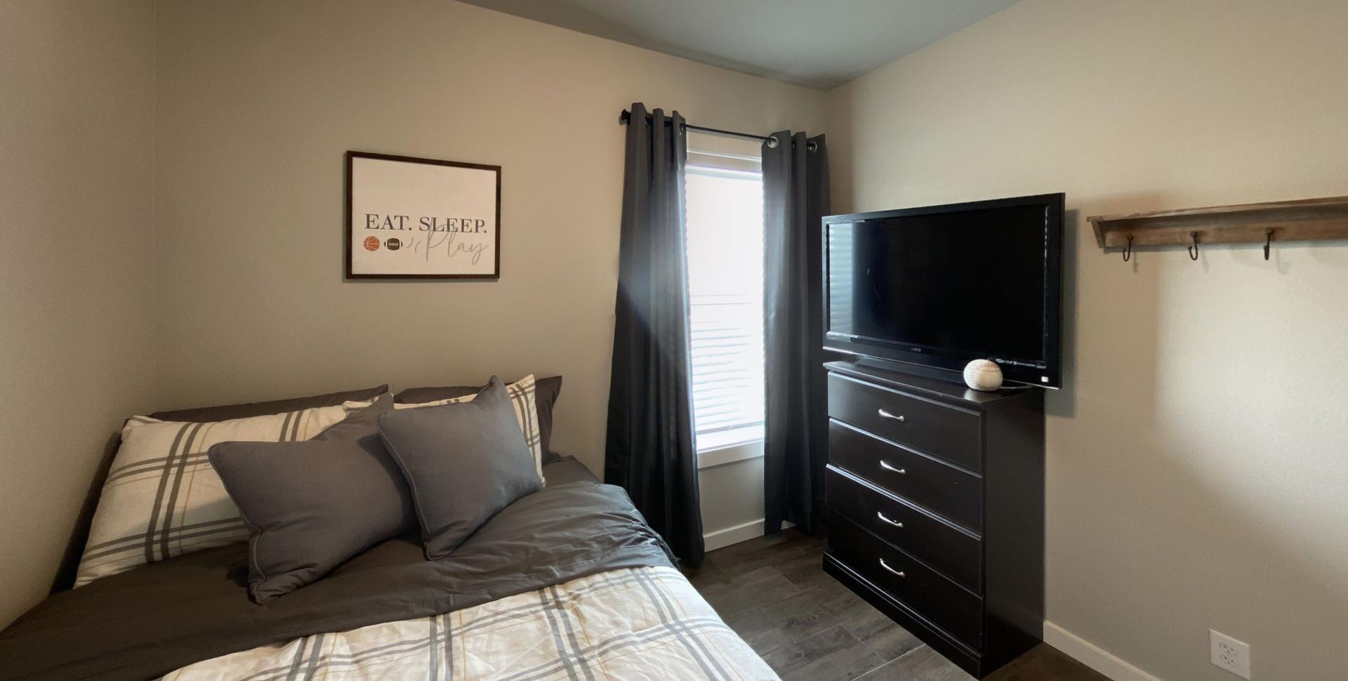 310-Omnia-Bedroom-2.jpg