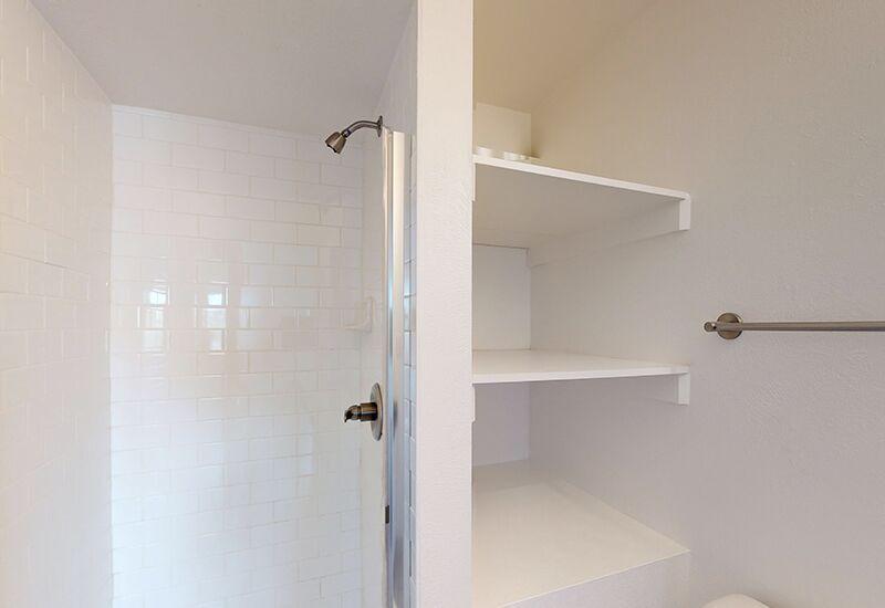 ReedPark_Bathroom2.jpg
