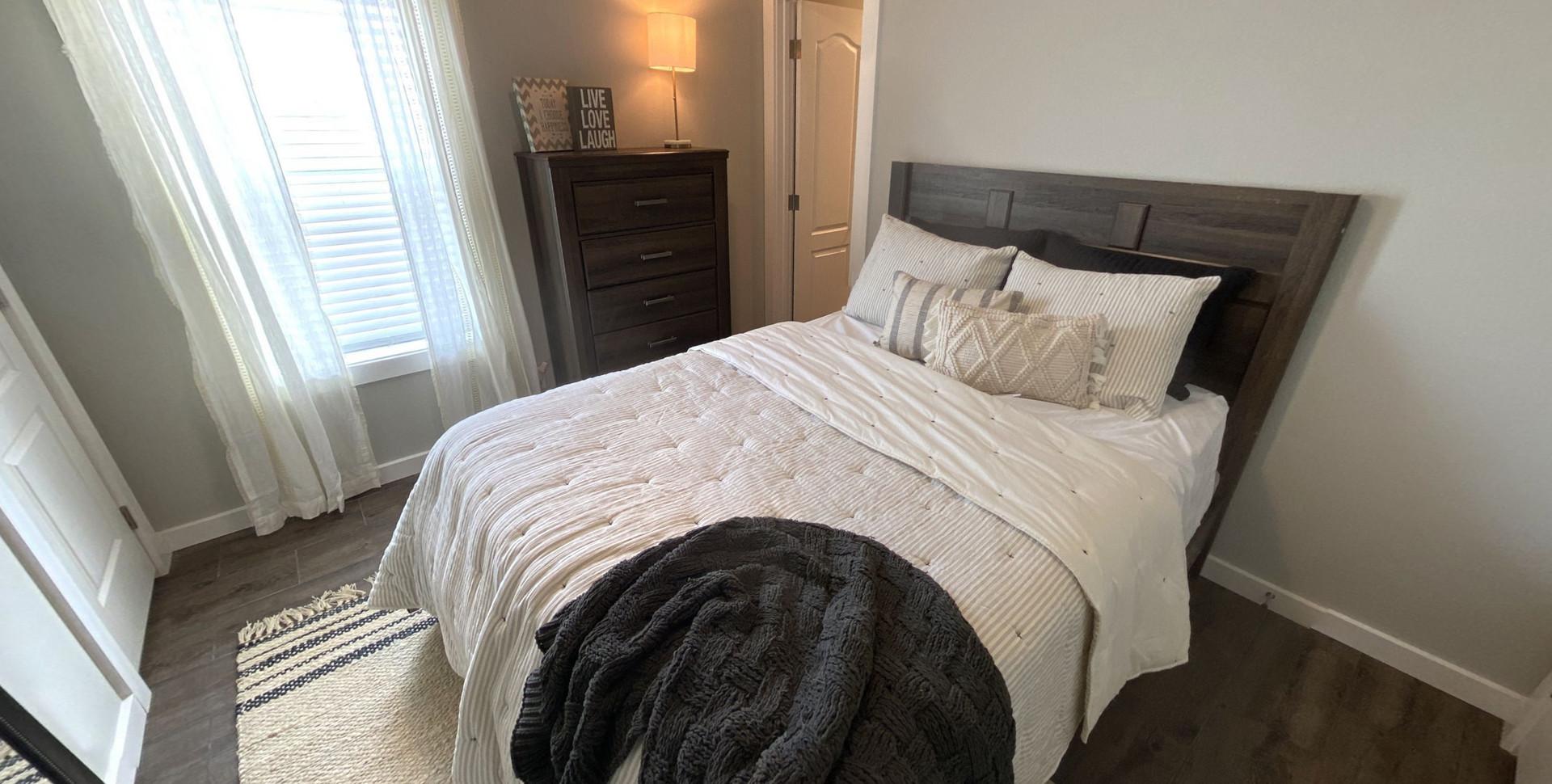 310-Omnia-Master-Bedroom.jpg