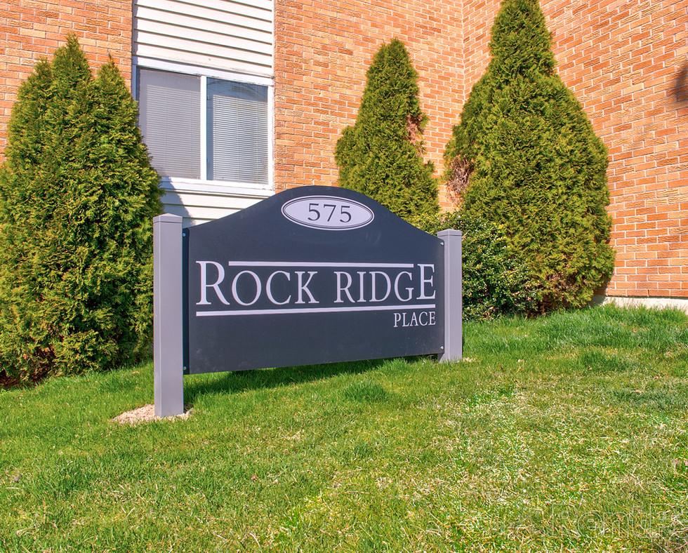 92971_07_hdp_rockridgeplace_ext_sign.jpg