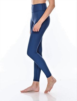 Medium Waisted Legging Solid in Indigo
