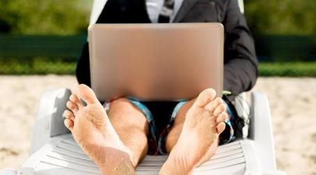 Gerente receberá diferenças por cobrir férias de colega com salário maior