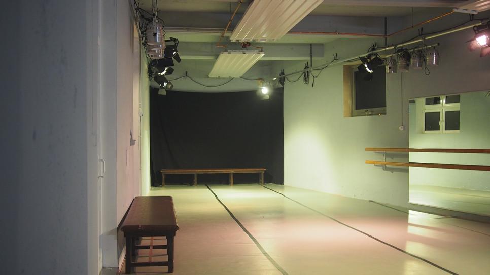 theaterSCHLACHTHOFstudio Unbürokratisch und unmittelbar. Miet mich und mach!
