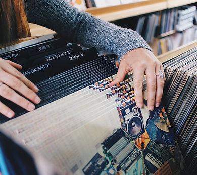 vinyl-records-945396_1280.jpg