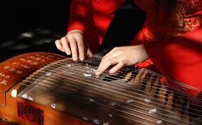 Le Guzheng (古筝 Gǔ zhēng)