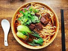 La soupe de nouilles au bœuf (牛肉面 niú ròu miàn)